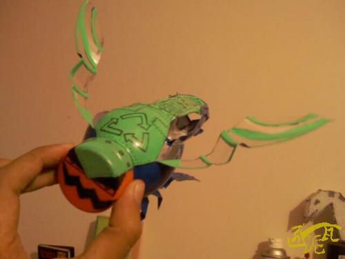 diy创意设计 用饮料瓶涂鸦制作个性创意昆虫摆设